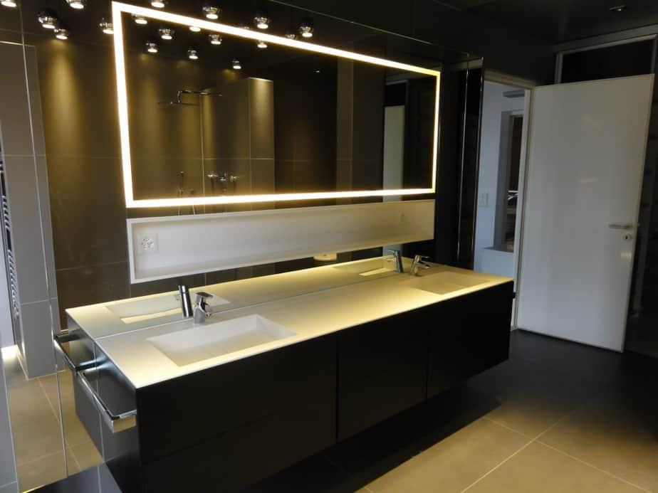 meuble de salle de bain réalisé dans notre atelier de menuiserie